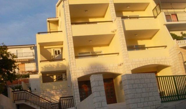 Apartmani H-01